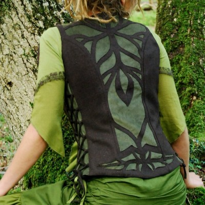 dsc_0433-psyche_waistcoat_brown_with_green_cutwork_inlay
